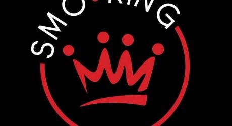 smo-king Smo-King Sigaretta Elettronica Roma smoking 2 1516376189 460X250 c c 1 FFFFFF