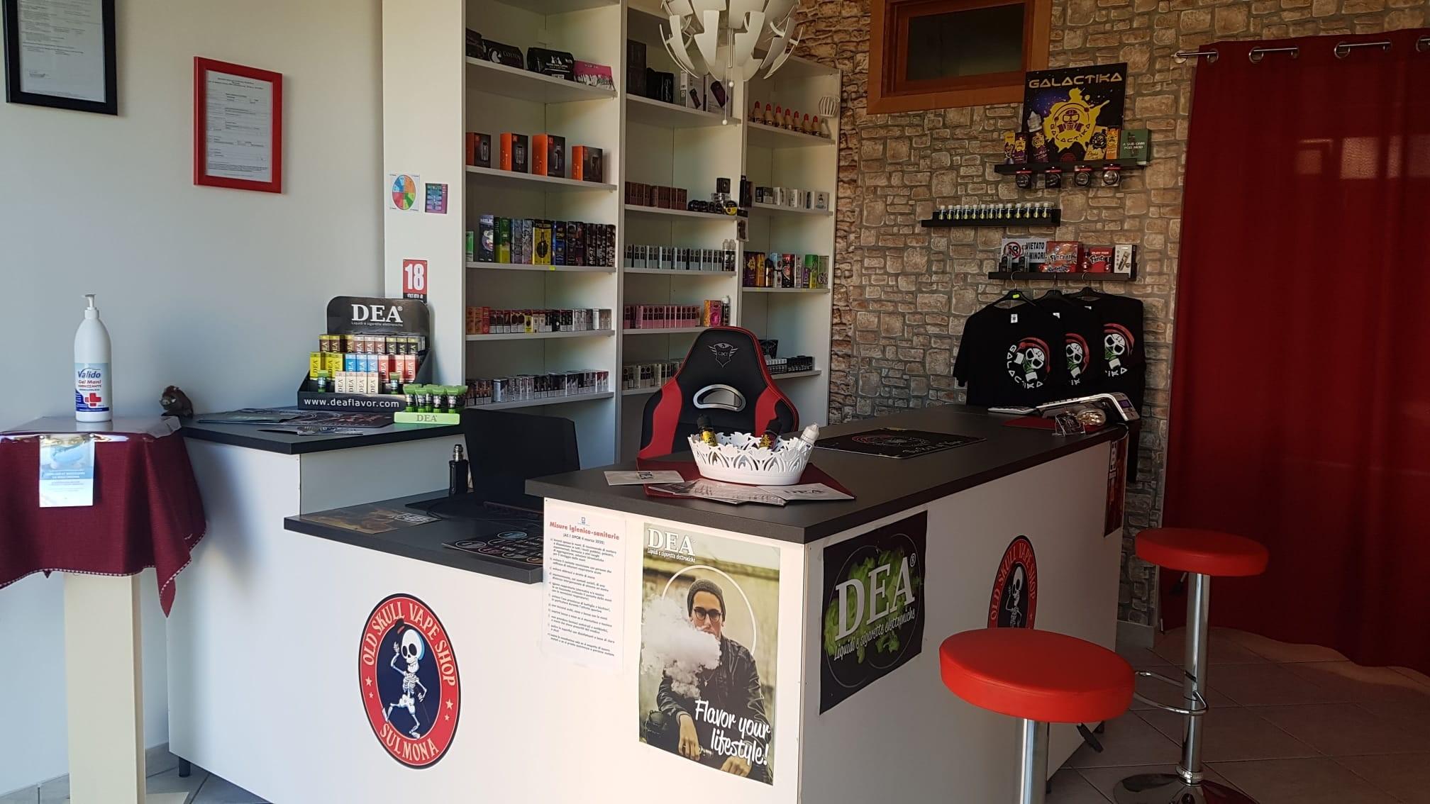 Negozio Sigarette Elettroniche Sulmona negozio sigarette elettroniche sulmona Negozio Sigarette Elettroniche Sulmona Old Skull Vape Shop Vetrina negozio di sigarette elettroniche 2